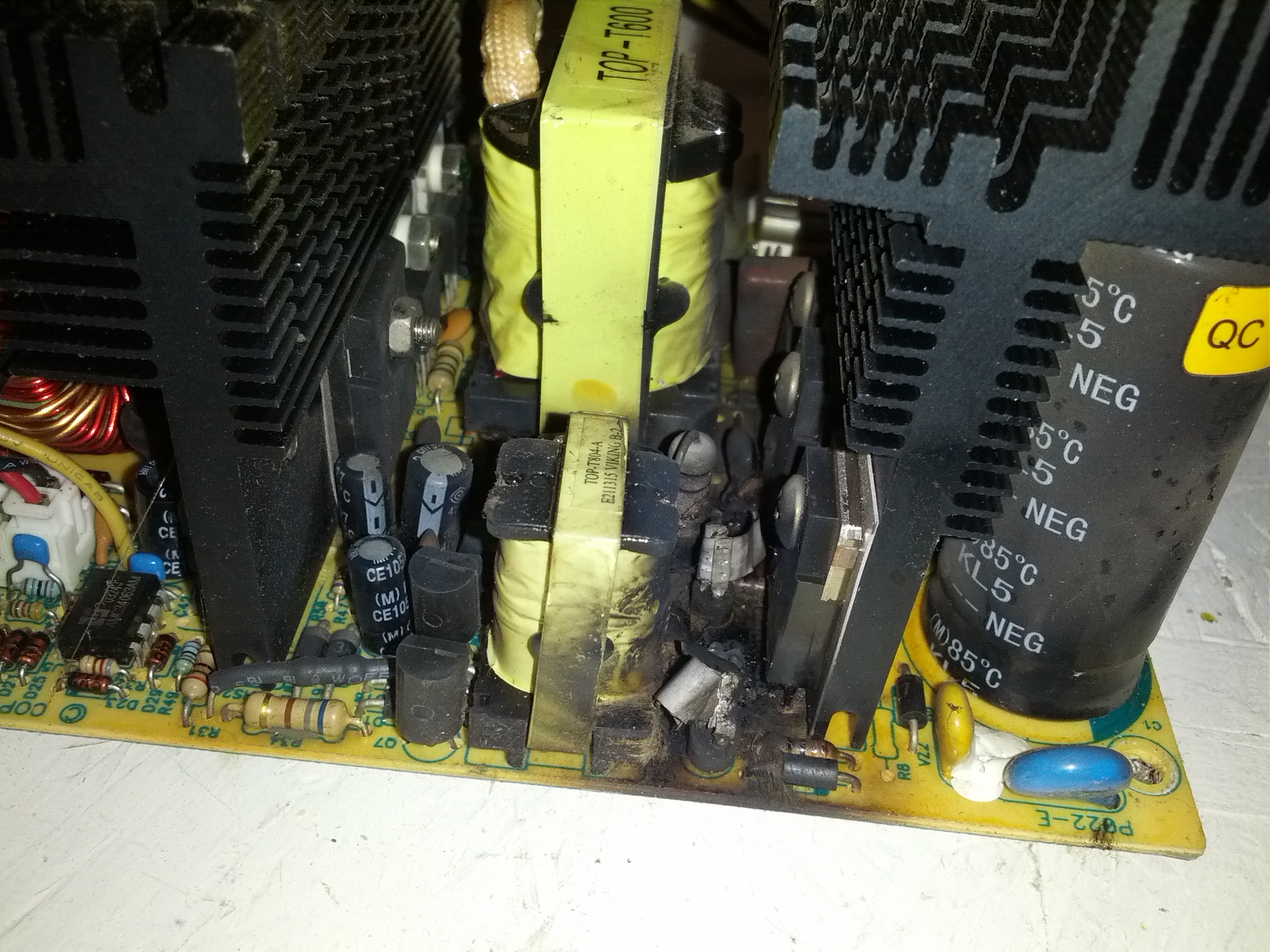 power supply failure What is the power supply failure rate or how many failure have you experienced so far  if the failure rate is low, how safe is it to use only one psu per server and keep the redundant one as backup if the first one fails.